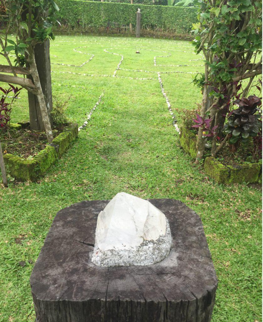 meditatie labyrinth in Bali Silent Retreat